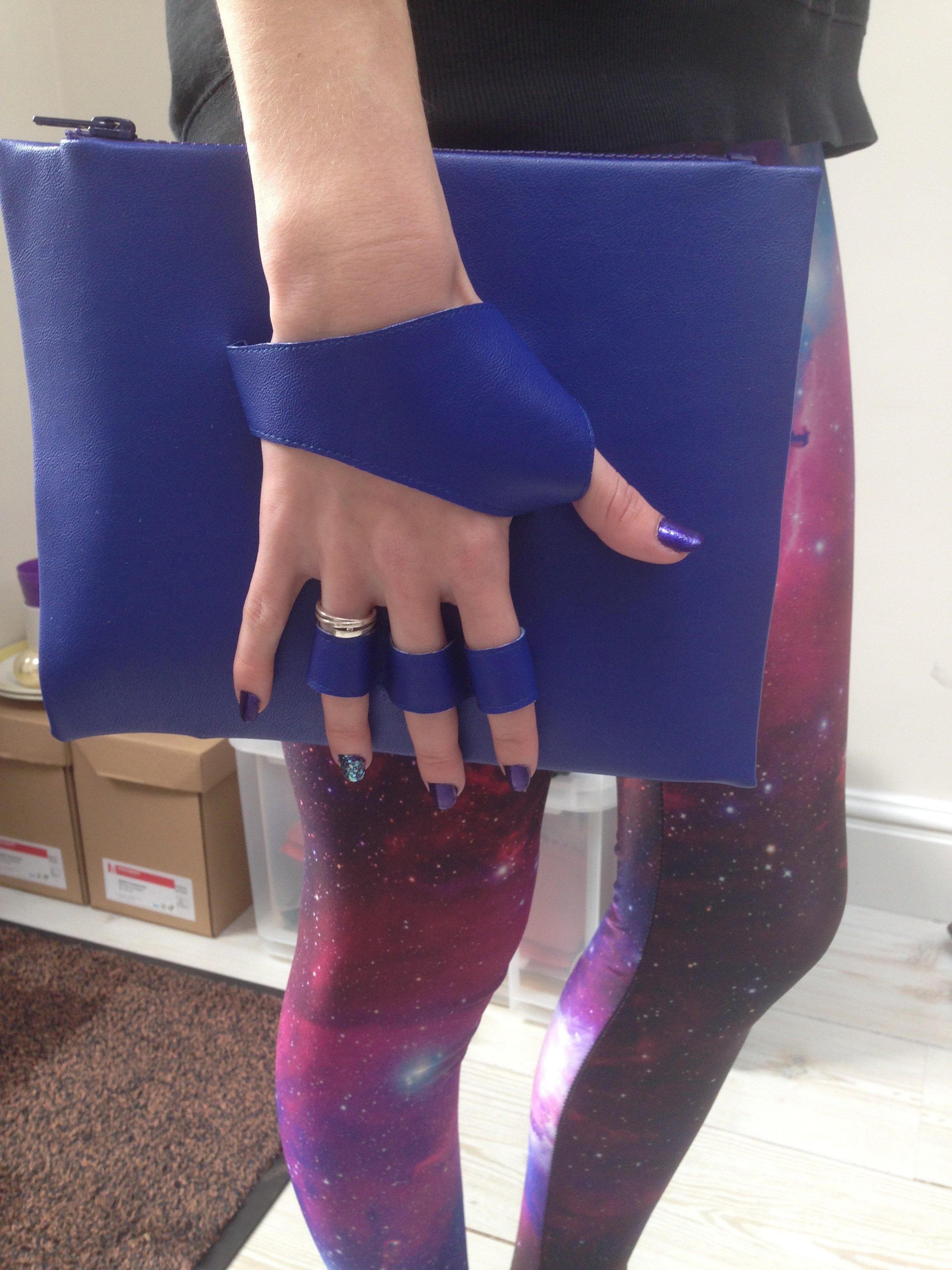 blauwe handtas